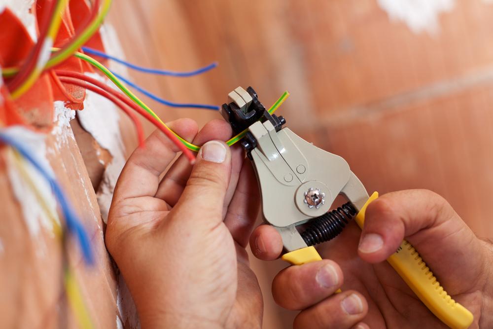 Instalare Panouri Electrice / Prize / Siguranțe / Corpuri Iluminat