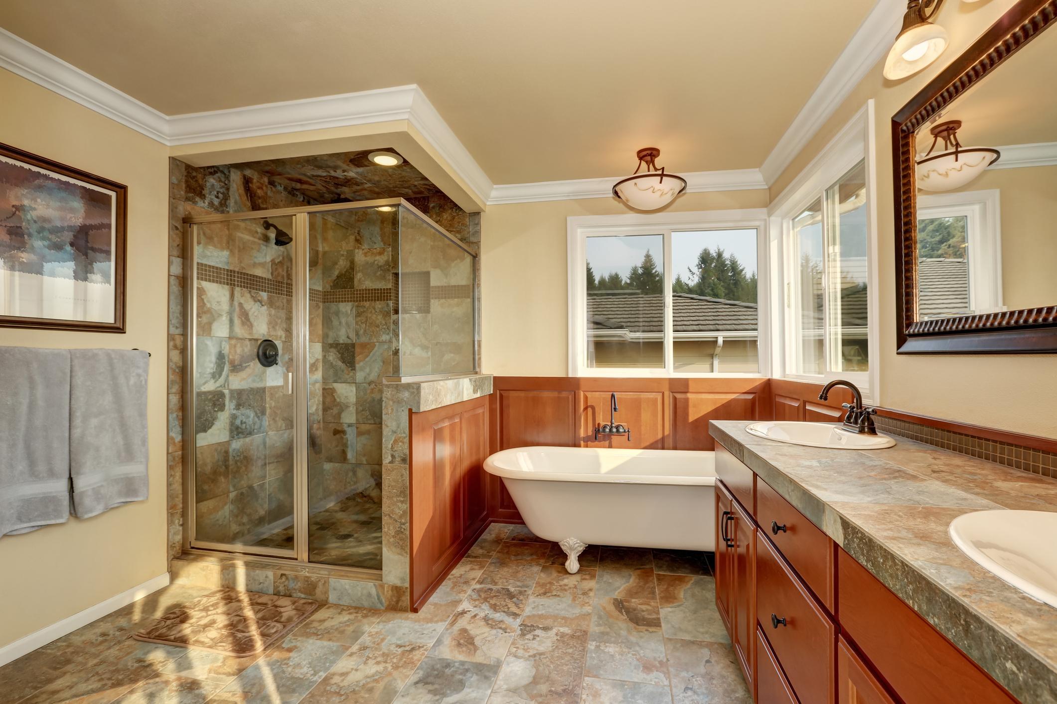 Amenajare baie MODERN – gresie faianta instalatii sanitare – Calitate si Seriozitate